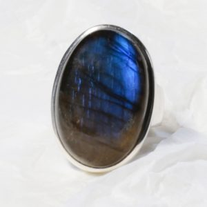 Bague Labradorite bleue de (Madagascar) grand ovale