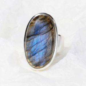 Bague Labradorite bleue de (Madagascar) ovale long