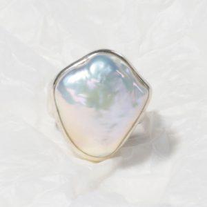 Bague Perle baroque blanche